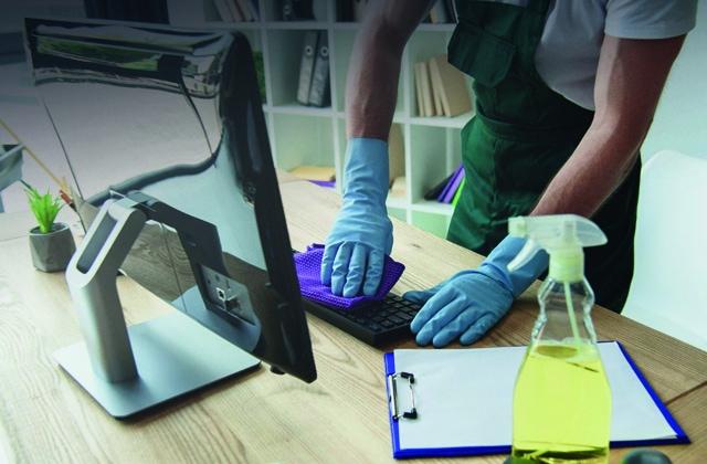 Limpiezas en Empresas</p> <h6>Mantenimiento por horas. Servicio de Limpiacristales. Servicios Express.</h6> <p>